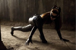 catwoman-hathaway-pose1-TDKR1-610x406