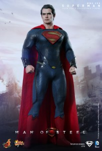 Hot_Toys_-_Man_of_Steel_-_Superman_Collectible_Figure_PR1