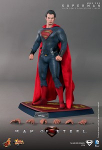 Hot_Toys_-_Man_of_Steel_-_Superman_Collectible_Figure_PR16