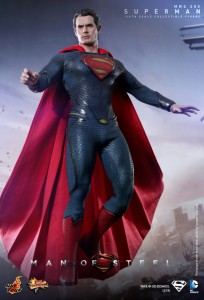 Hot_Toys_-_Man_of_Steel_-_Superman_Collectible_Figure_PR4