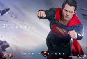 Hot_Toys_-_Man_of_Steel_-_Superman_Collectible_Figure_PR5