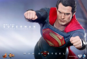 Hot_Toys_-_Man_of_Steel_-_Superman_Collectible_Figure_PR6
