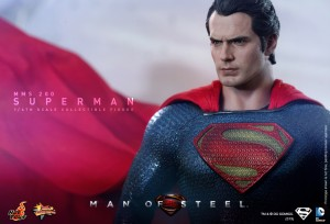 Hot_Toys_-_Man_of_Steel_-_Superman_Collectible_Figure_PR8
