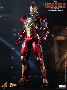 Hot_Toys_-_Iron_Man_3_-_Heartbreaker_(Mark_XVII)_Limited_Edition_Collectible_Figurine_PR1