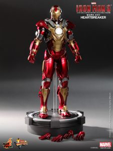Hot_Toys_-_Iron_Man_3_-_Heartbreaker_(Mark_XVII)_Limited_Edition_Collectible_Figurine_PR11