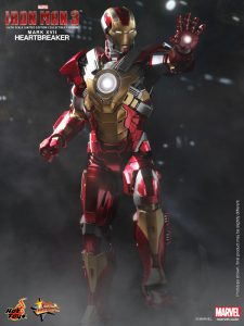 Hot_Toys_-_Iron_Man_3_-_Heartbreaker_(Mark_XVII)_Limited_Edition_Collectible_Figurine_PR2