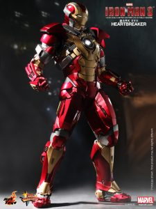 Hot_Toys_-_Iron_Man_3_-_Heartbreaker_(Mark_XVII)_Limited_Edition_Collectible_Figurine_PR3