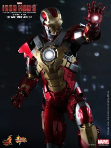 Hot_Toys_-_Iron_Man_3_-_Heartbreaker_(Mark_XVII)_Limited_Edition_Collectible_Figurine_PR5