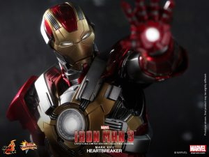 Hot_Toys_-_Iron_Man_3_-_Heartbreaker_(Mark_XVII)_Limited_Edition_Collectible_Figurine_PR6