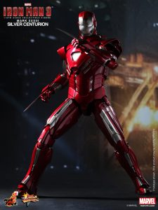 Hot_Toys_-_Iron_Man_3_-_Silver_Centurion_Collectible_Figurine_PR4
