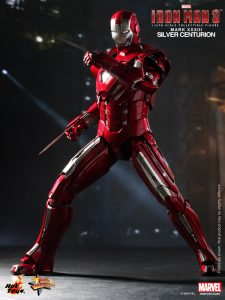 Hot_Toys_-_Iron_Man_3_-_Silver_Centurion_Collectible_Figurine_PR5