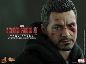 Hot_Toys_-_Iron_Man_3_-_Tony_Stark_(Mandarin_Mansion_Assault_Version)_Collectible_Figurine_PR14