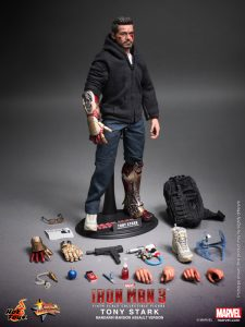 Hot_Toys_-_Iron_Man_3_-_Tony_Stark_(Mandarin_Mansion_Assault_Version)_Collectible_Figurine_PR16