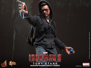 Hot_Toys_-_Iron_Man_3_-_Tony_Stark_(Mandarin_Mansion_Assault_Version)_Collectible_Figurine_PR6
