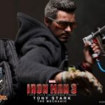 Hot_Toys_-_Iron_Man_3_-_Tony_Stark_(The_Mechanic)_Collectible_Figurine_PR7