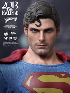 Hot_Toys_-_Superman_III_-_Superman_(Evil_Version)_Collectible_Figure_PR14