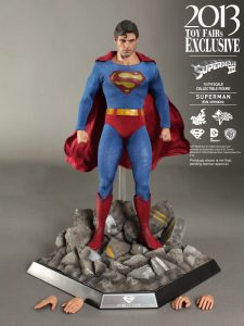 Hot_Toys_-_Superman_III_-_Superman_(Evil_Version)_Collectible_Figure_PR15
