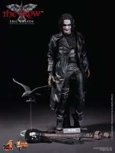 Hot_Toys_-_The_Crow_-_Eric_Draven_Collectible_Figure_PR16