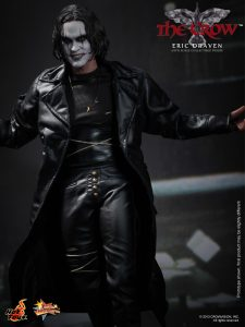 Hot_Toys_-_The_Crow_-_Eric_Draven_Collectible_Figure_PR7