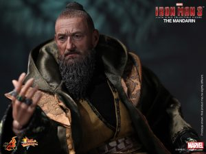 Hot_Toys_-_Iron_Man_3_-_The_Mandarin_Collectible_Figure_PR10