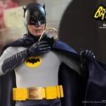 Hot_Toys_-_Batman_(1966)_-_Batman_Collectible_Figure_PR7