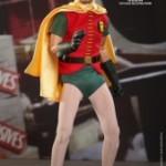Hot_Toys_-_Batman_(1966)_-_Robin_Collectible_Figure_PR1