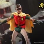 Hot_Toys_-_Batman_(1966)_-_Robin_Collectible_Figure_PR2