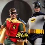 Hot_Toys_-_Batman_(1966)_-_Robin_Collectible_Figure_PR7