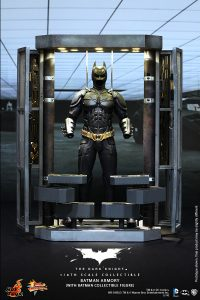 wpid-storagesdcard0DownloadHot-Toys-The-Dark-Knight-Batman-Armory-Collectible_PR1.jpg.jpg