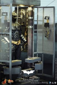 wpid-storagesdcard0DownloadHot-Toys-The-Dark-Knight-Batman-Armory-Collectible_PR4.jpg.jpg