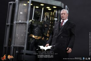 wpid-storagesdcard0DownloadHot-Toys-The-Dark-Knight-Batman-Armory-with-Alfred-Pennyworth-Collectible-Set_PR1.jpg.jpg