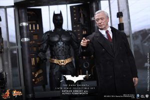 wpid-storagesdcard0DownloadHot-Toys-The-Dark-Knight-Batman-Armory-with-Alfred-Pennyworth-Collectible-Set_PR2.jpg.jpg