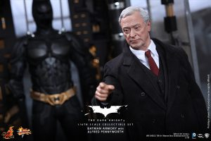 wpid-storagesdcard0DownloadHot-Toys-The-Dark-Knight-Batman-Armory-with-Alfred-Pennyworth-Collectible-Set_PR5.jpg.jpg