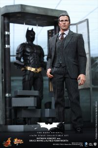 wpid-storagesdcard0DownloadHot-Toys-The-Dark-Knight-Batman-Armory-with-Bruce-Wayne-and-Alfred-Pennyworth-Collectible-Set_PR2.jpg.jpg