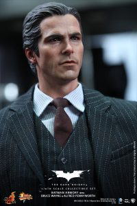 wpid-storagesdcard0DownloadHot-Toys-The-Dark-Knight-Batman-Armory-with-Bruce-Wayne-and-Alfred-Pennyworth-Collectible-Set_PR4.jpg.jpg
