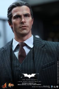 wpid-storagesdcard0DownloadHot-Toys-The-Dark-Knight-Batman-Armory-with-Bruce-Wayne-and-Alfred-Pennyworth-Collectible-Set_PR5.jpg.jpg