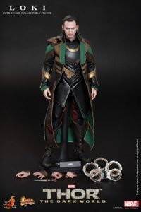 Hot_Toys_-_Thor_-_The_Dark_World_-_Loki_Collectible_Figure_PR14