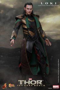 Hot_Toys_-_Thor_-_The_Dark_World_-_Loki_Collectible_Figure_PR3