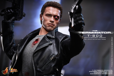 Hot_Toys_-_The_Terminator_-_T800_(Battle_Damaged_Version)_Collectible_Figure_PR12