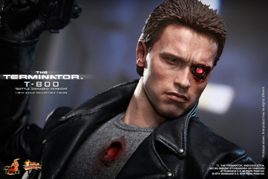 Hot_Toys_-_The_Terminator_-_T800_(Battle_Damaged_Version)_Collectible_Figure_PR13