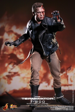 Hot_Toys_-_The_Terminator_-_T800_(Battle_Damaged_Version)_Collectible_Figure_PR2