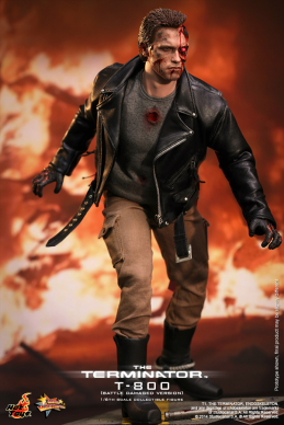Hot_Toys_-_The_Terminator_-_T800_(Battle_Damaged_Version)_Collectible_Figure_PR3