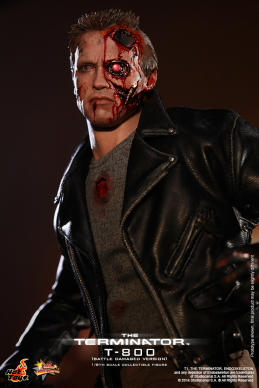 Hot_Toys_-_The_Terminator_-_T800_(Battle_Damaged_Version)_Collectible_Figure_PR5
