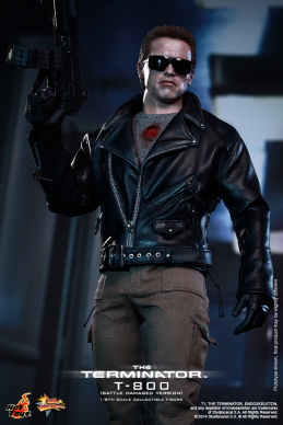 Hot_Toys_-_The_Terminator_-_T800_(Battle_Damaged_Version)_Collectible_Figure_PR8