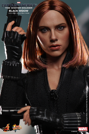 Hot_Toys_-_Captain_America_-_The_Winter_Soldier_-_Black_Widow_Collectible_Figure_PR12