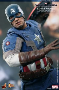 wpid-storagesdcard0DownloadHot-Toys-Captain-America-The-Winter-Soldier-Captain-America-Golden-Age-Version-Collectible-Figure_PR11.jpg.jpg