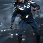 Hot_Toys_-_Captain_America_-_The_Winter_Soldier_-__Captain_America_(Stealth_S.T.R.I.K.E._Suit)_Collectible_Figure_PR2
