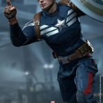 Hot_Toys_-_Captain_America_-_The_Winter_Soldier_-__Captain_America_(Stealth_S.T.R.I.K.E._Suit)_Collectible_Figure_PR5