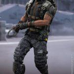 Hot_Toys_-_Captain_America_-_The_Winter_Soldier_-_Falcon_Collectible_Figure_PR12