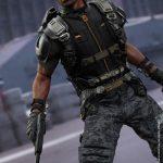 Hot_Toys_-_Captain_America_-_The_Winter_Soldier_-_Falcon_Collectible_Figure_PR13